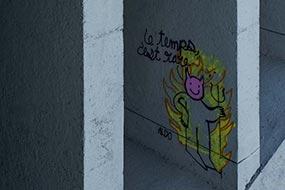 Le temps c'est rare...Street art sous le pont de Joinville