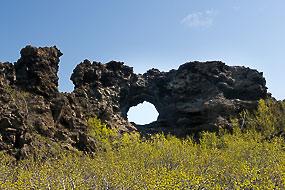 les châteaux de lave noire de Dimmurborgir