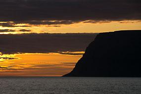 Falaises au couchant, péninsule de Vestfirðir, Islande