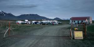 Camping peu accueillant avant Stykkis-Holmur, Péninsule de Snaefellness, Islande