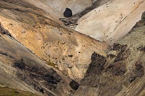 Rochers noirs et exture d'un flan de montagne, Péninsule de Snæfellsnes, islande