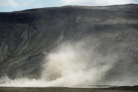 Tourbillon de poussière sur la route 660, islande