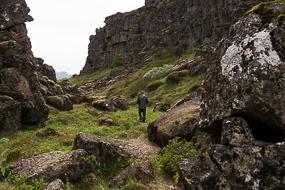 Chemin moins fréquenté dans la faille à Thingvellir, Cercle d'or, Islande