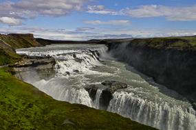 Cascade de Gullfoss, le site envahit par les touristes, cercle d'or, Islande
