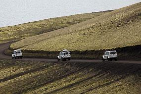 Convoi de Defender sur la F208, Islande