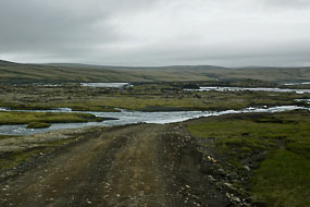 Un peu d'inquiétude, mais non ce ne sera pas un gué à traverser. F208, Islande