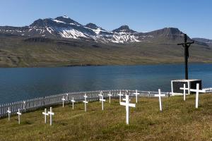 Cimetière de marins français, Fáskrúðsfjörður, Fjords de l'Est, islande