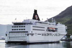 Le Norrona arrive à Seydisfjordur, Islande