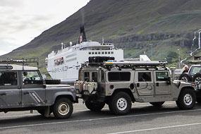 4x4 prêts à embarquer sur le Norrona, Seydifsjordur, islande
