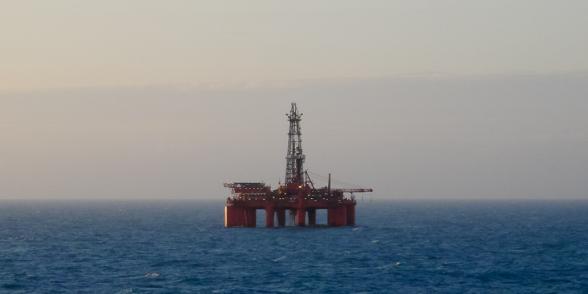 Plateforme de forage de puits de pétrole en mer, Mer du Nord.