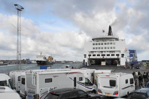 Embarquement à bord du Norröna, Hirtshals, Danemark.