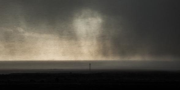Le vent s'est levé et souffle en tornade, la pluie est horizontale, j'arrive à peine à me tenir debout ! Sud de l'Islande
