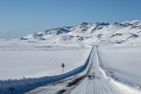 La route 42, qui longe le lac Kleifarvatn, Péninsule de Reykjanes, Islande
