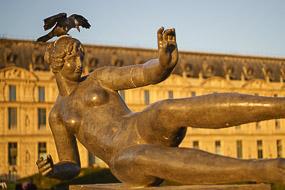 Sculpture aux Jardins des Tuileries