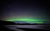 Aurore boréale au dessus du lac Pingvallavatn, Islande