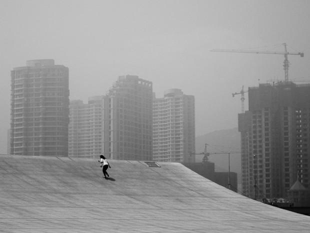 Prêt pour le grand bon en avant ? Dalian, Chine, Noir et Blanc, 2007.